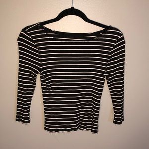 american eagle medium 3/4 sleeve crop top